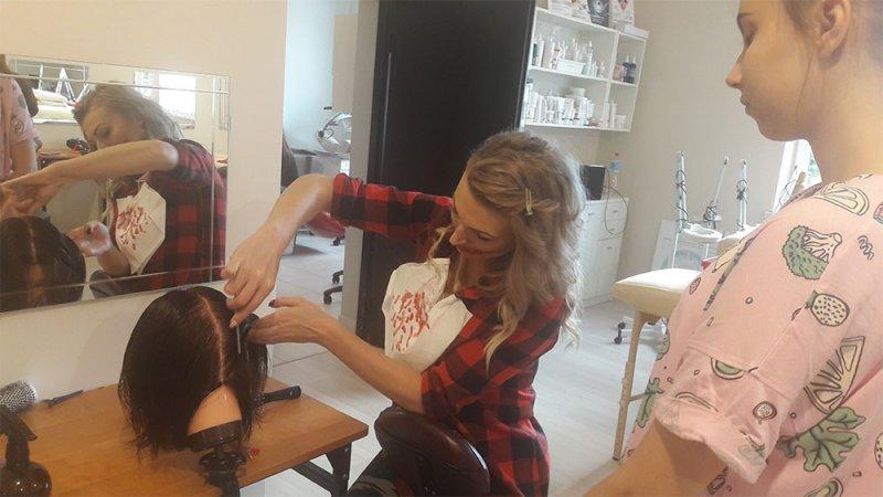 Szkolenia fryzjerskie w technikum SPWODZ